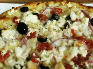 Chicken-Greek-Pizza